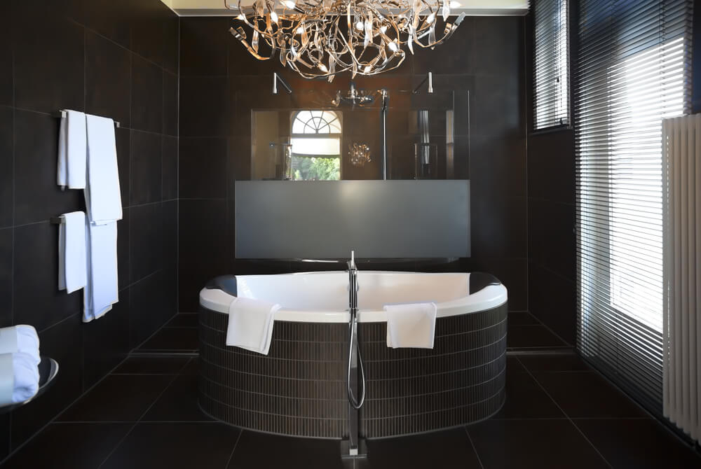 Rounded bath tubs is a new style introduced by designers.