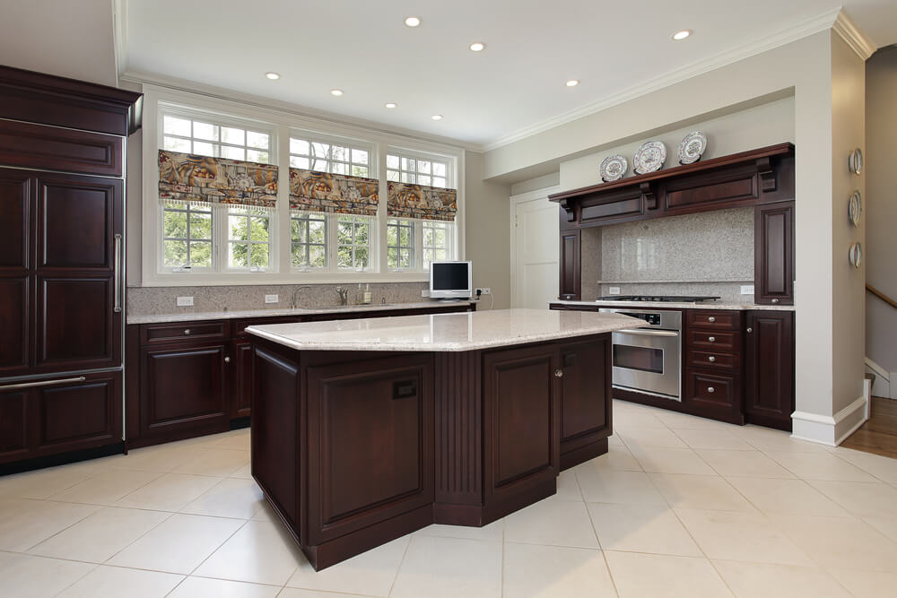 Exceptional This Big Kitchen Achieves The Perfect Contrast And Balance Between Very  Impacting Dark Cabinets That Make