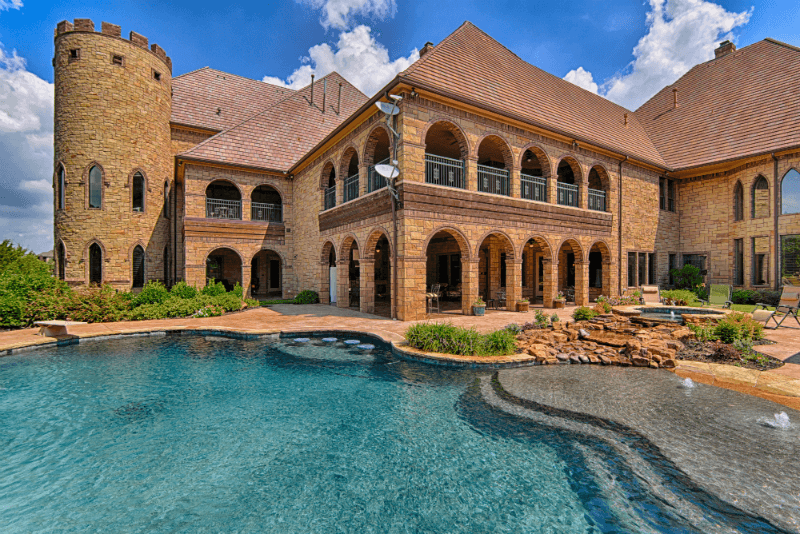 The castle house amazing photos for Castle style homes for sale