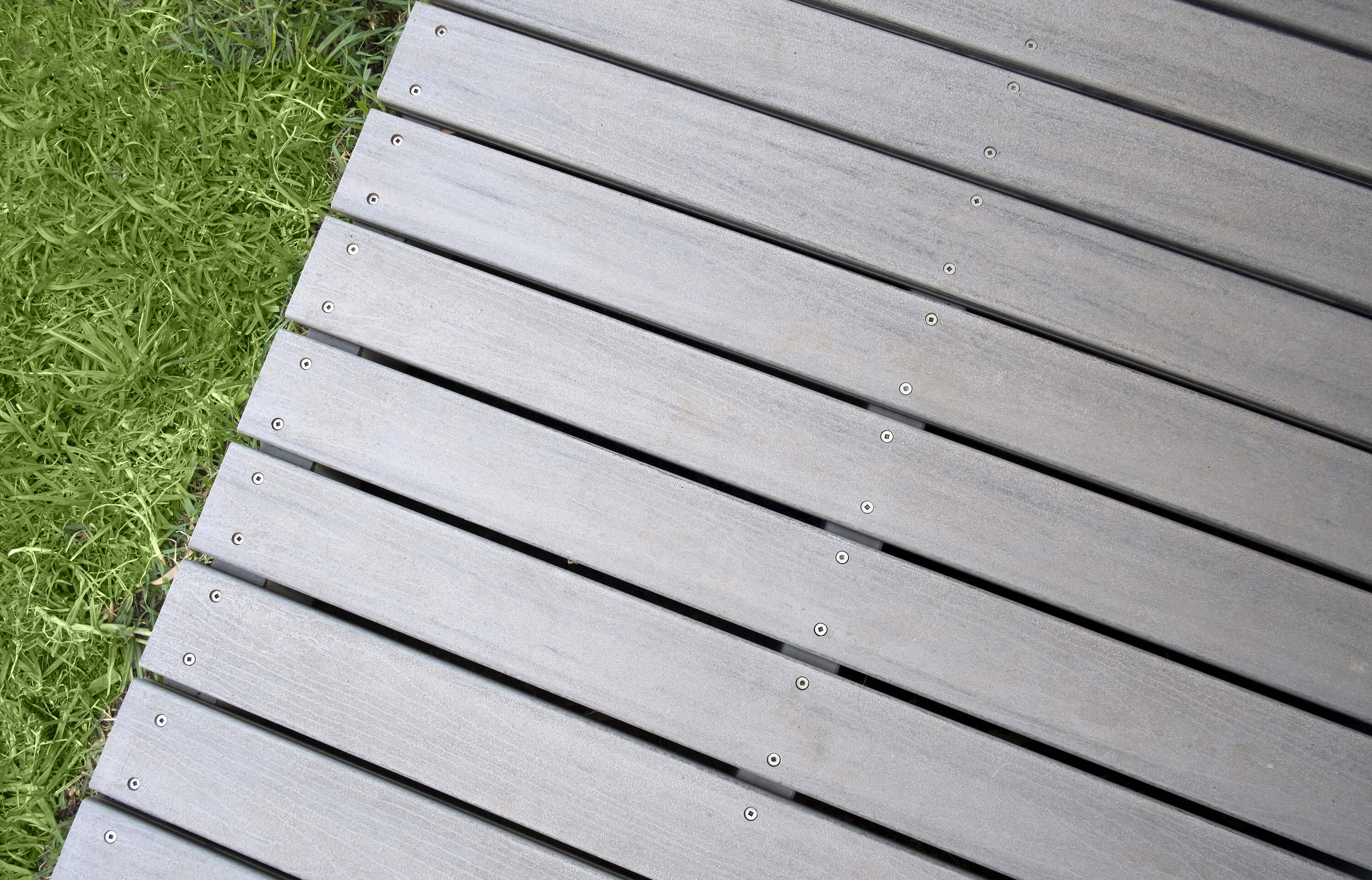 Ideas for building a deck designs and plans love home for Best composite decking material