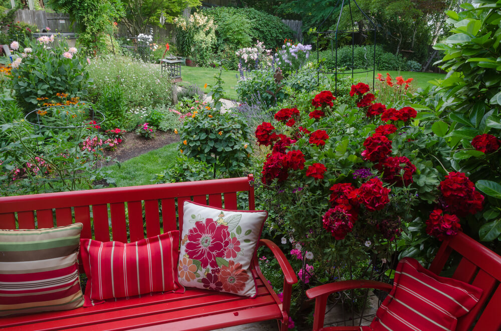 Backyard landscape design ideas love home designs for Flowers landscape gardening