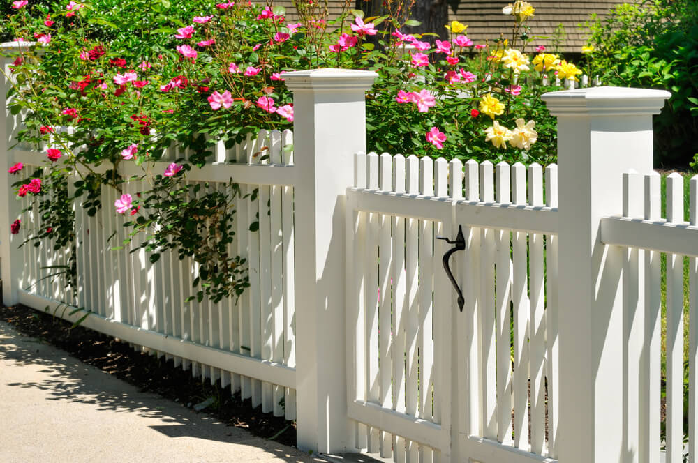 New Picket Fence Styles Include 4x4 Posts With End Caps. Options Include  Wood Or Vinyl