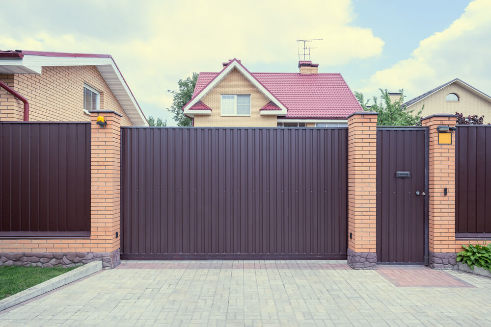 Solid Iron Fencing Makes A For The Ultimate In Privacy And Security. Part 73