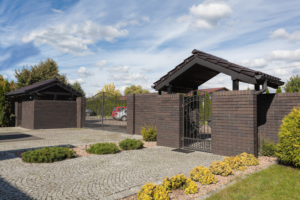 Brick Fence Designs Come In Many Shapes And Sizes This Modern Dark Fencing