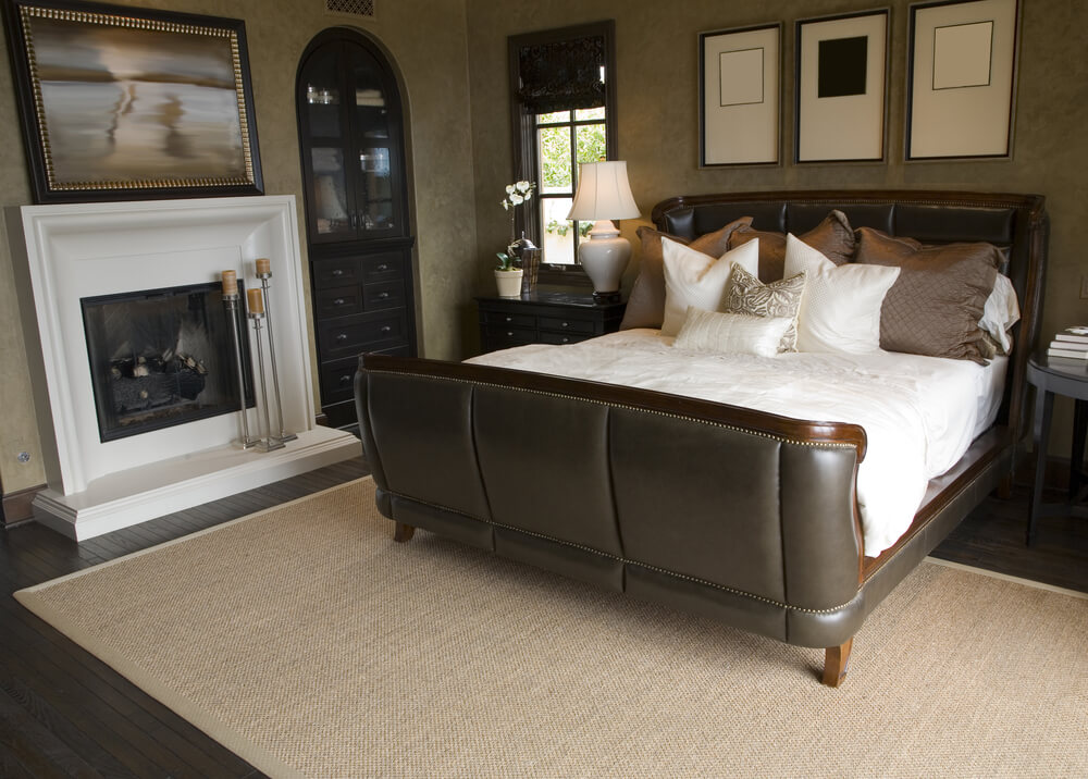 The Many Benefits of Master Bedrooms with Fireplaces