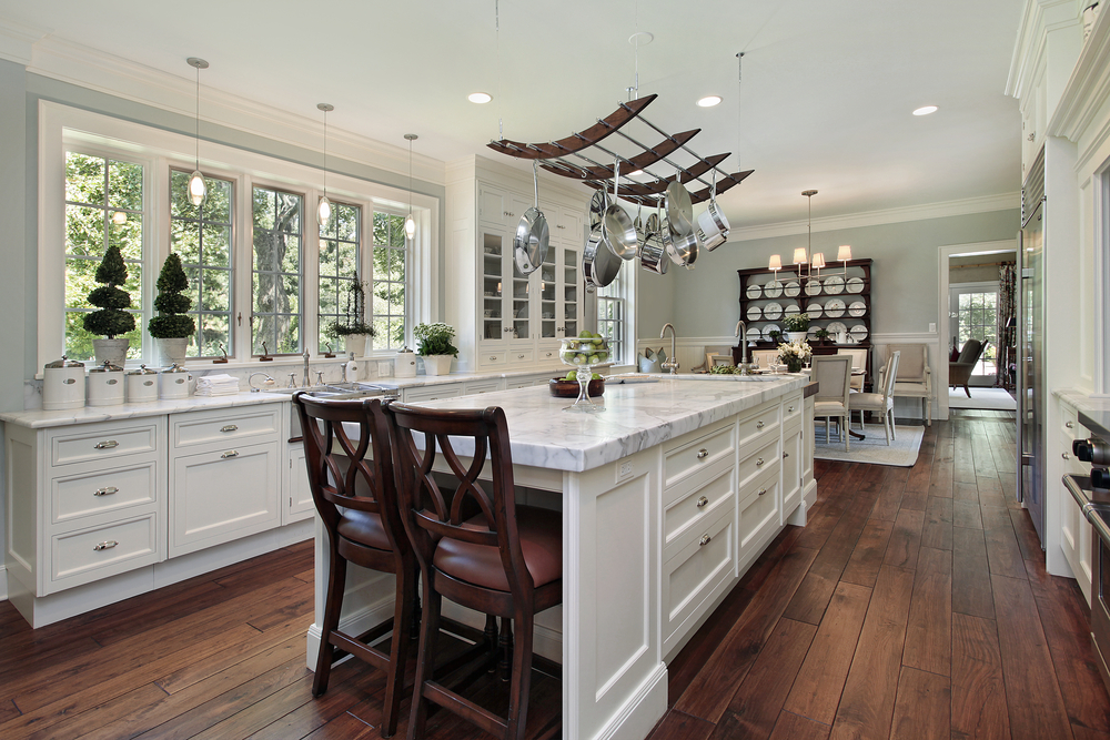 14 White Marble Kitchens to Create Your Elegant Home