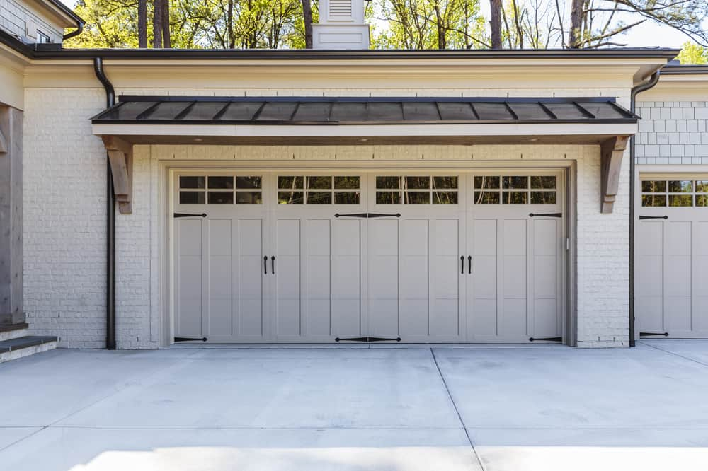 Size of a garage door standard garage door size uk for Standard width of a garage door