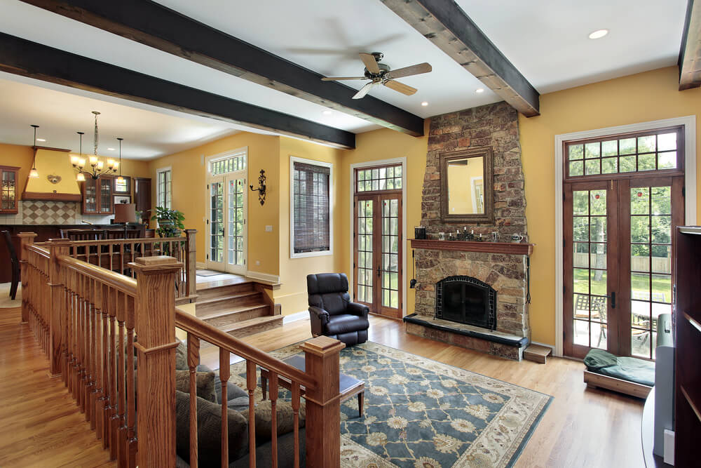 42 living rooms with exposed ceiling beams love home designs - Beams in living room ...