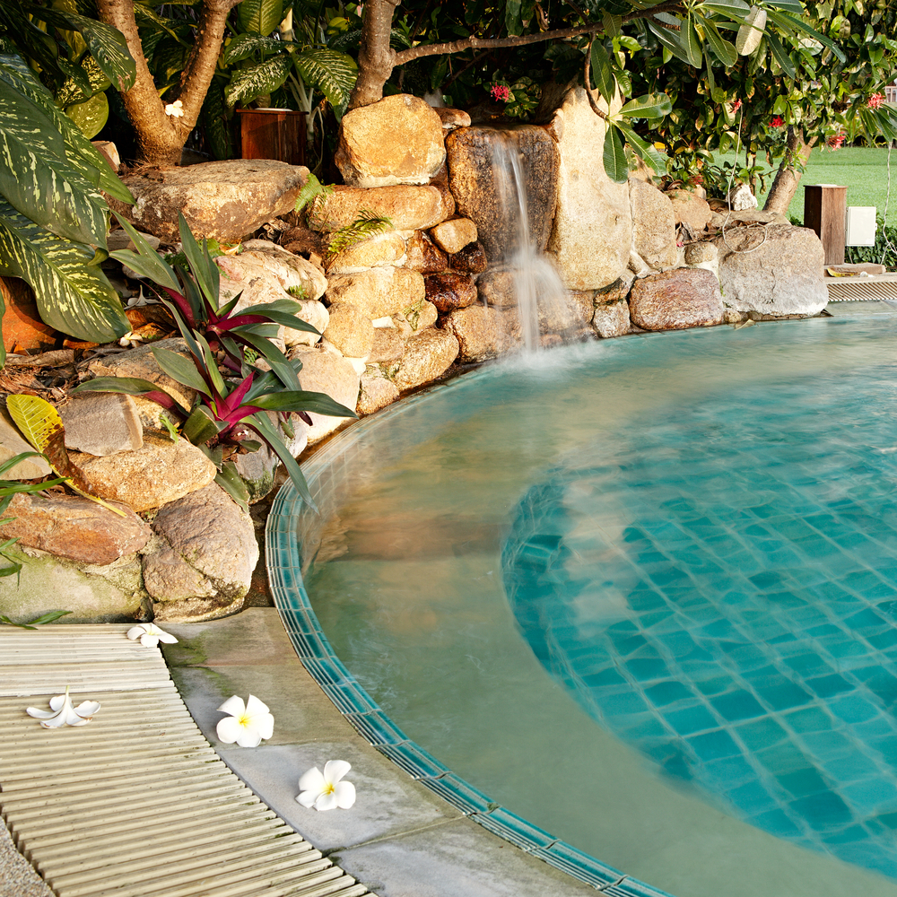 6 Pool Landscaping Ideas To Try Out In Your Backyard