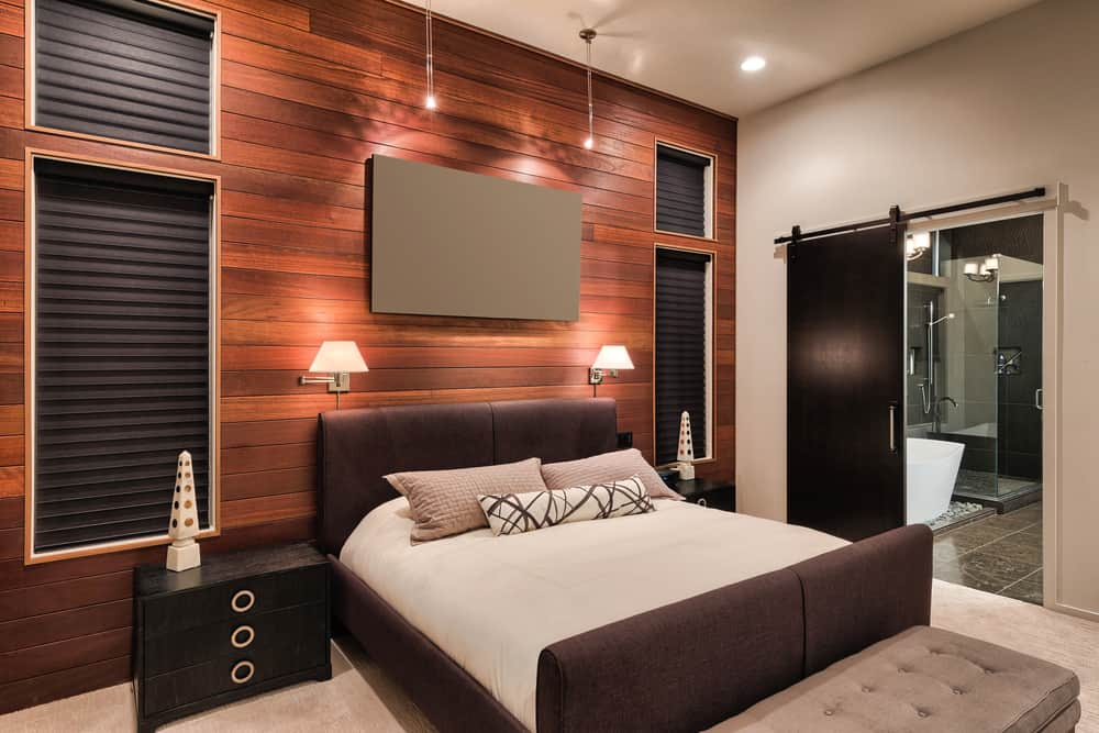 king vs queen bed how it really works for your home. Black Bedroom Furniture Sets. Home Design Ideas